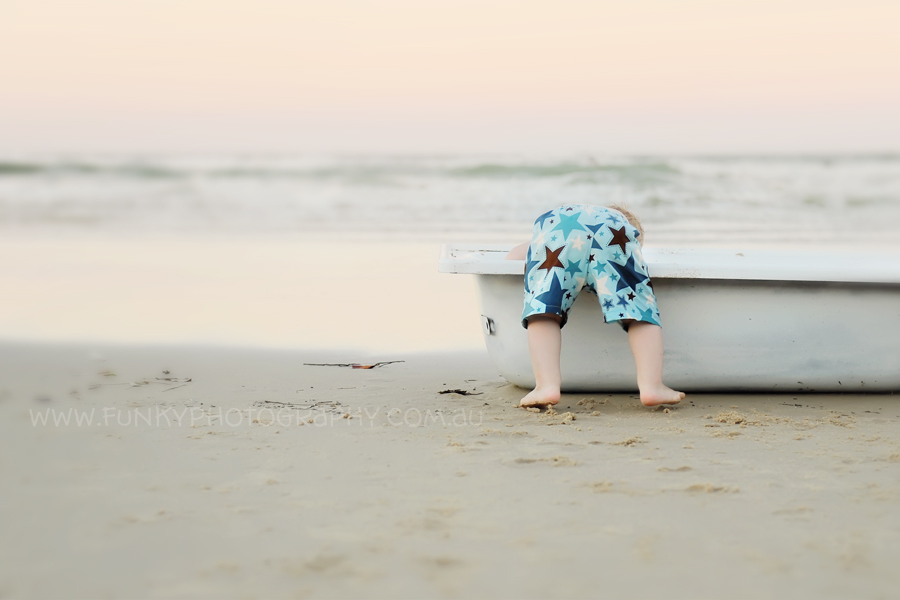 noosa baby and child photography bath tub session